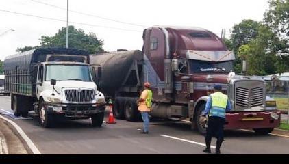 se deroga la restricción para los vehículos de carga como volquetes, furgones y cisternas.